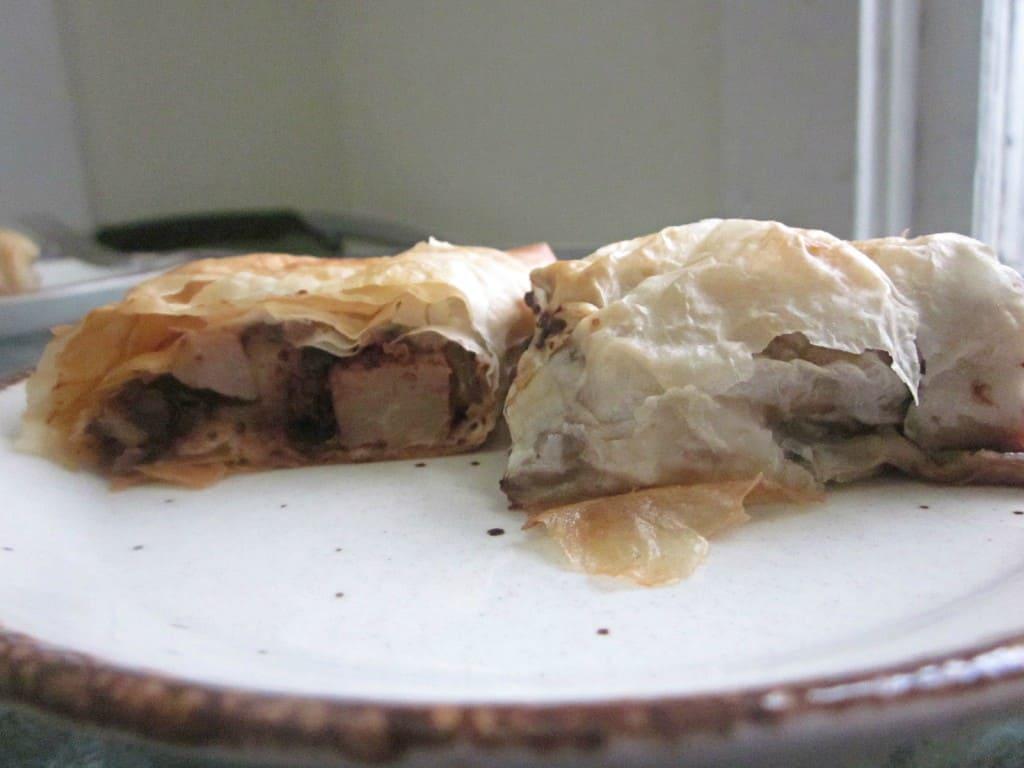 pear-chocolate strudel pieces