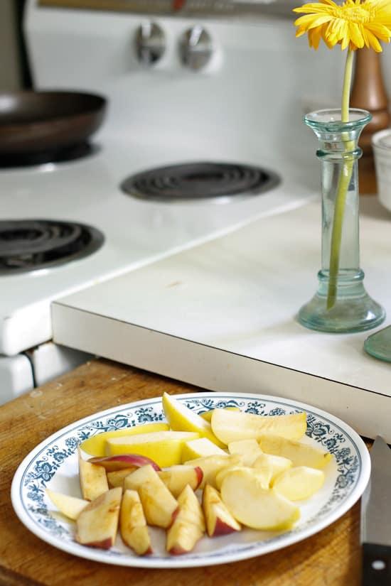 apple olive oil cake 1