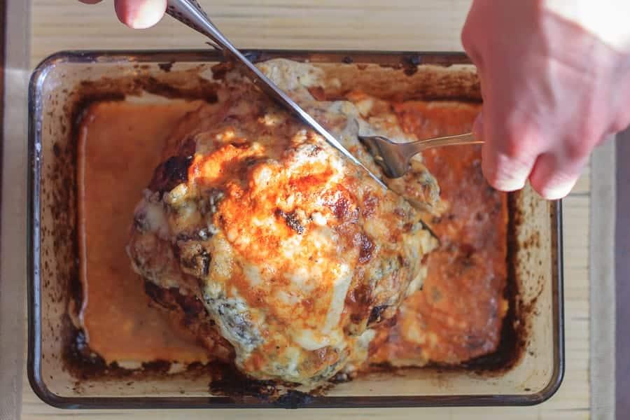 Cheesy, creamed cauliflower in smoky tomato sauce