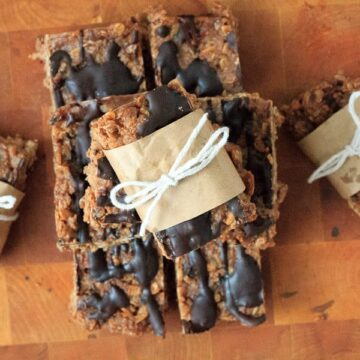 Pear chocolate granola bars