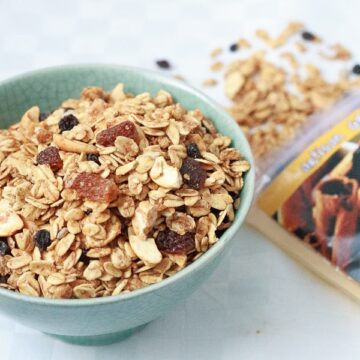 NaturSource Cinnamon Raisin granola
