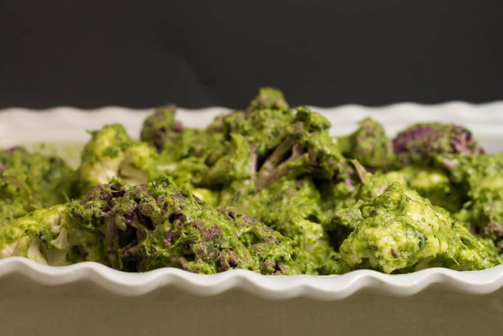 Roasted cauliflower in green herb sauce
