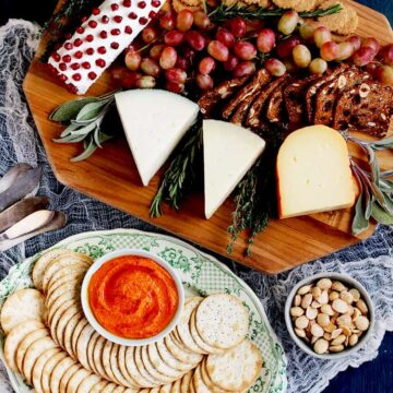 Cheese board for dairy dishes for lactose-intolerant people