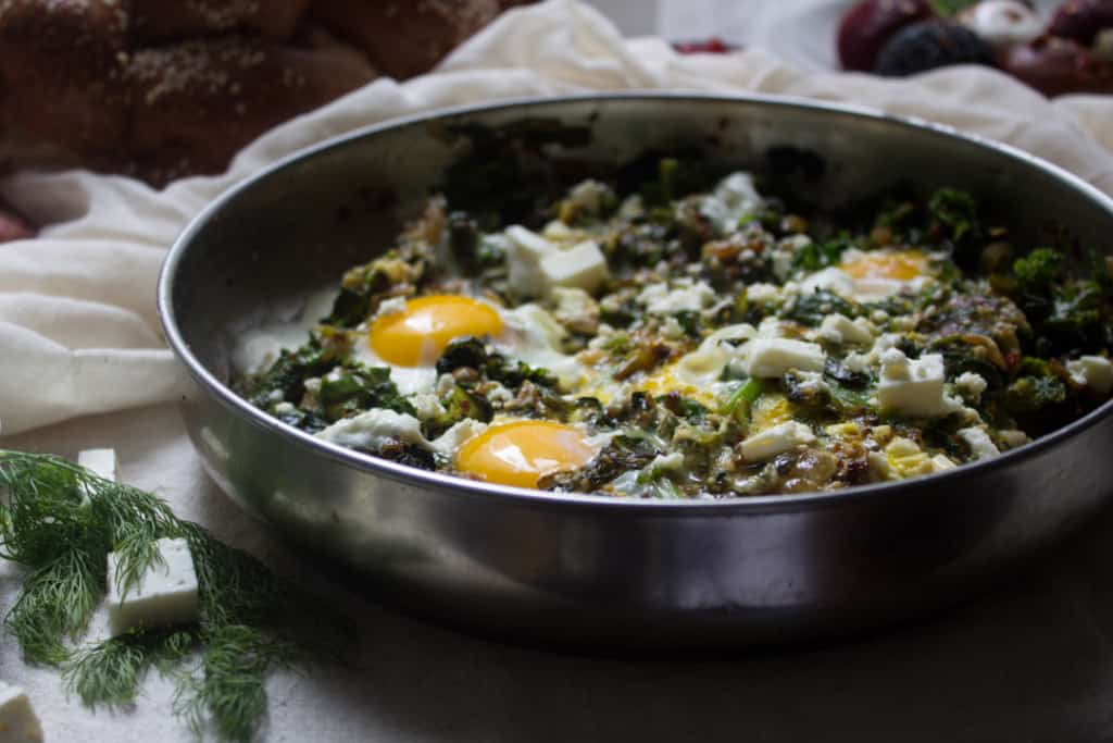 A different take on Middle Eastern breakfast, this salty and savoury green shakshuka is a perfect way to celebrate greens & the ultimate Israeli breakfast! Vegetarian, gluten-free.