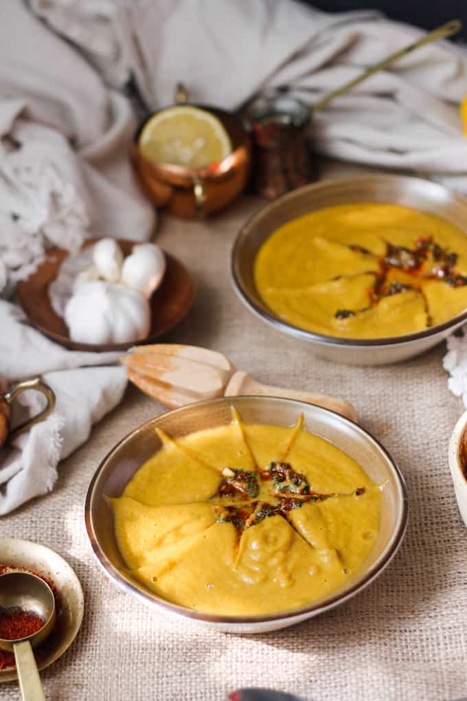 This deep and richly flavoured Moroccan carrot soup with slightly spicy chermoula is a revelation due to the pairing of garlic, cilantro and sweet, earthy carrots.