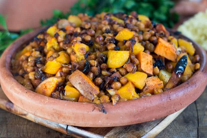This orange vegetables tagine with peaches is an earthy dish, full of grounding flavours like yam, pumpkin, chickpeas, harissa, raisins and peaches. The perfect juxtaposition of sweet and savoury!
