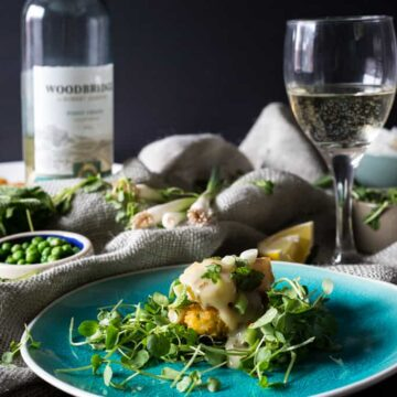 Grilled scallops with lemon-mint Pinot Grigio sauce on crispy pea cakes {GF, DF}