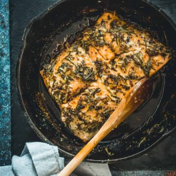 Cast-iron pan-fried Sockeye salmon recipe with mustard, honey and wild herbs, or how to do camping at home