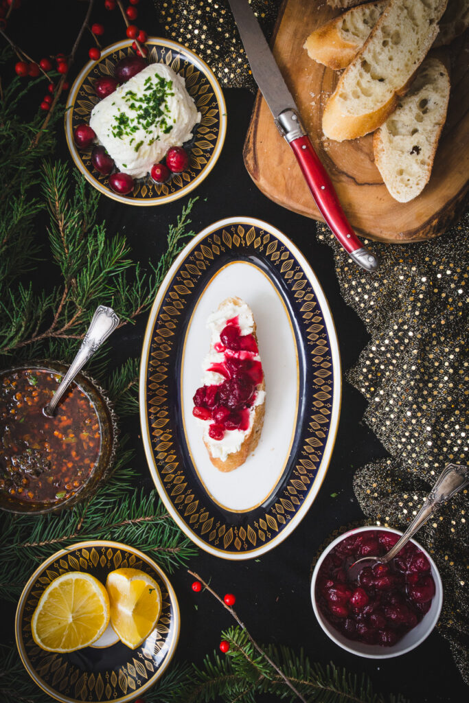 goat cheese crostini with cranberry sauce