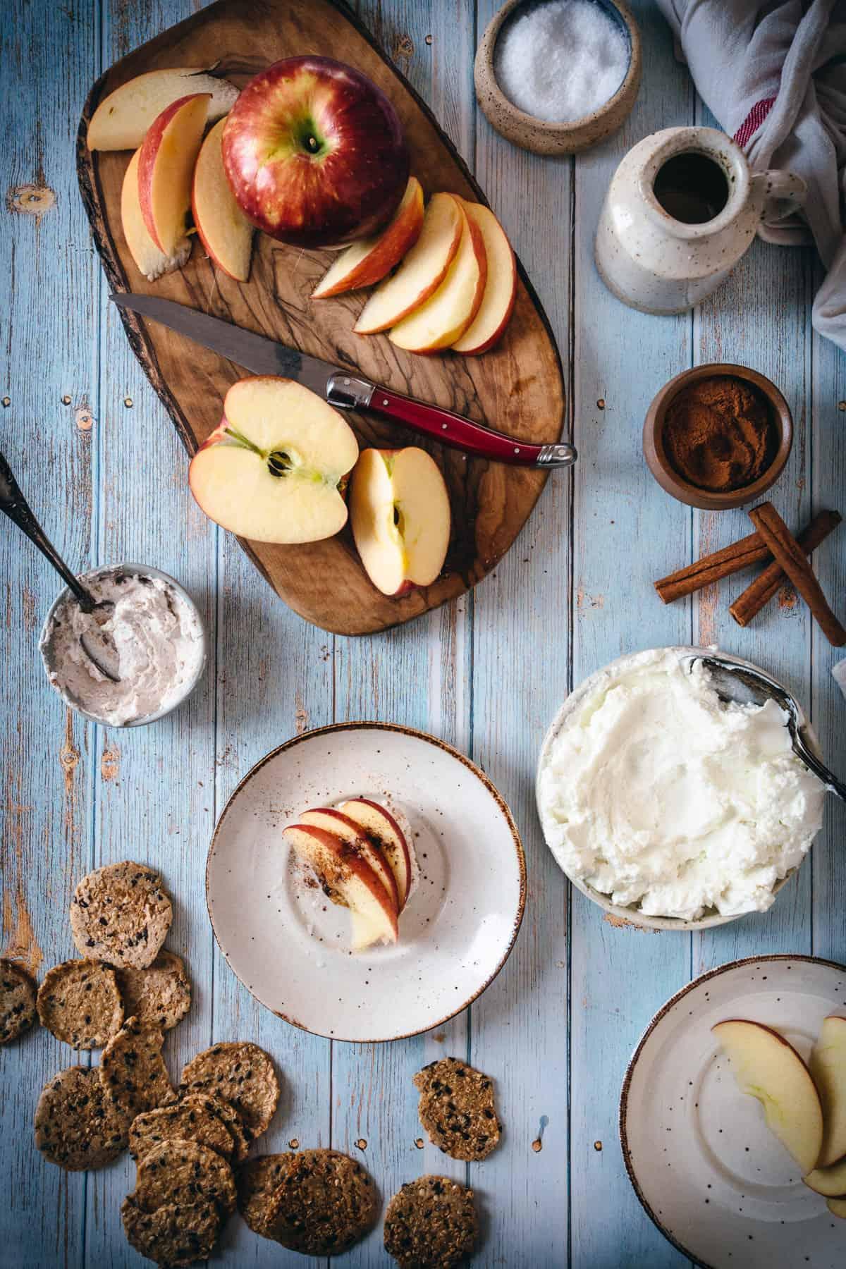 cinnamon labaneh apple cracker tablescape
