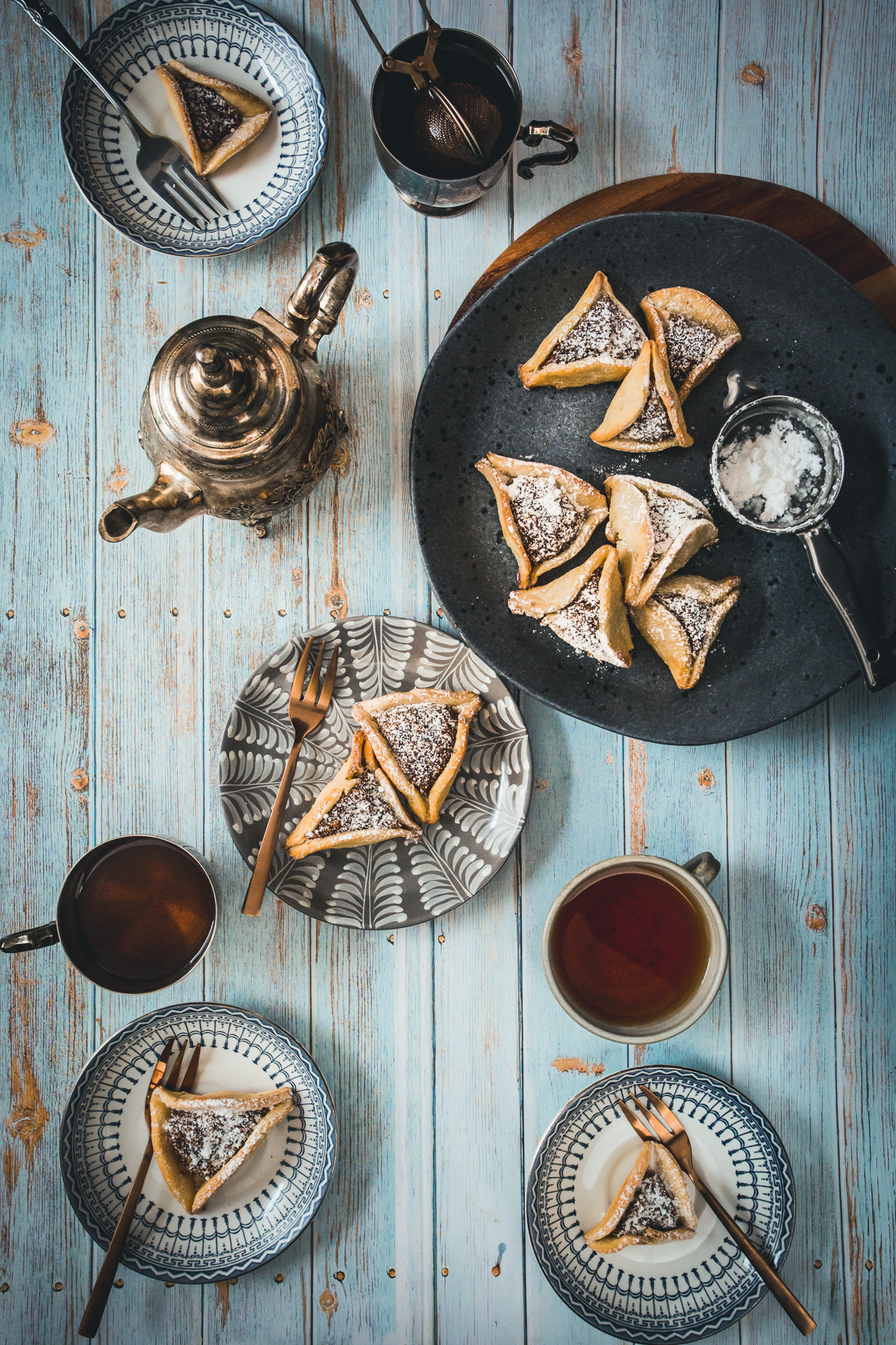 tablescape with hamantaschen and tea