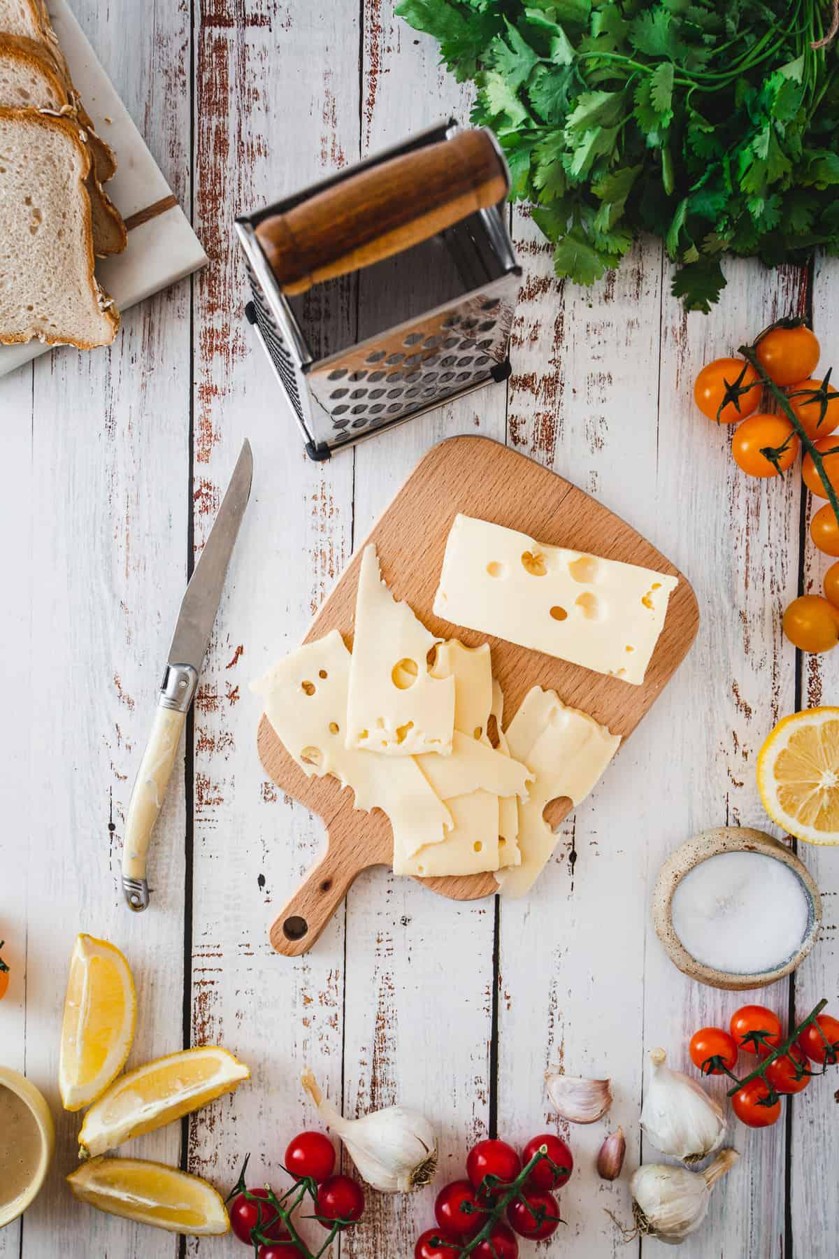 Jarlsberg cheese slices