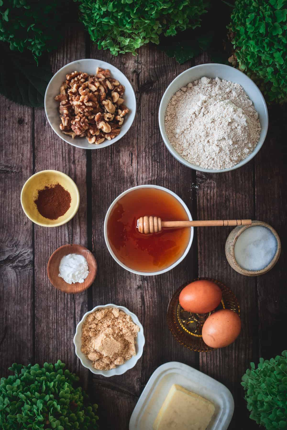 honey cake ingredients